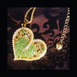 Jewelry - Betsey Johnson heart necklace